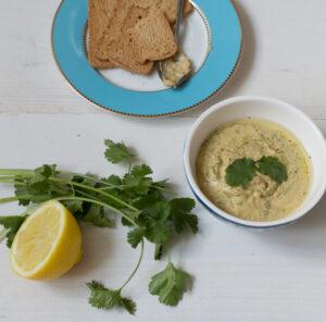 Hummus met koriander